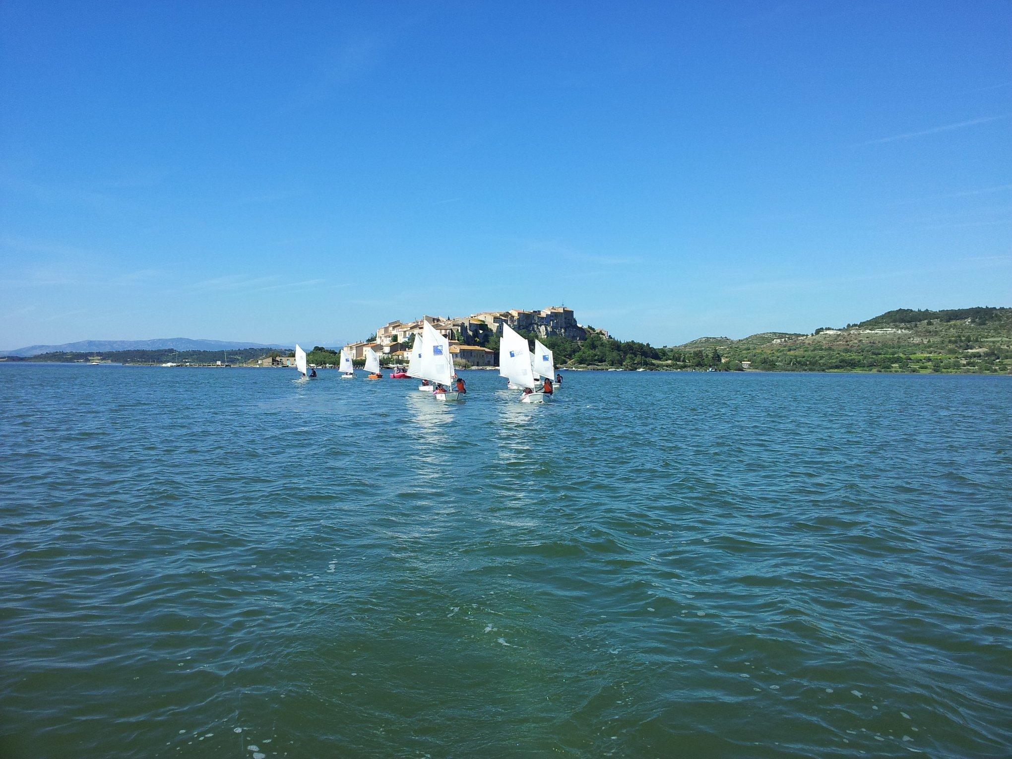 Activité nautique Narbonne: Optimist